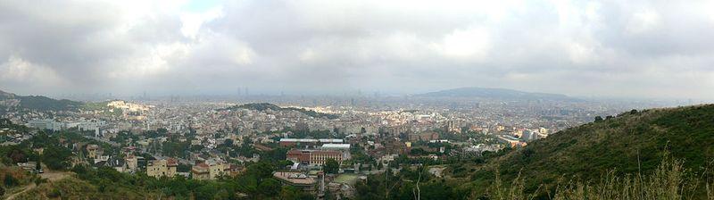 1024px-Panoràmica_de_Barcelona_23_d'agost_de_2011